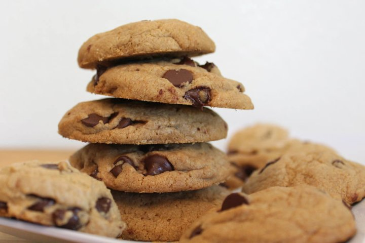 chewy-chocolate-chip-cookies-main