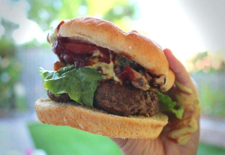 mushroom-chedder-bacon-burger-main