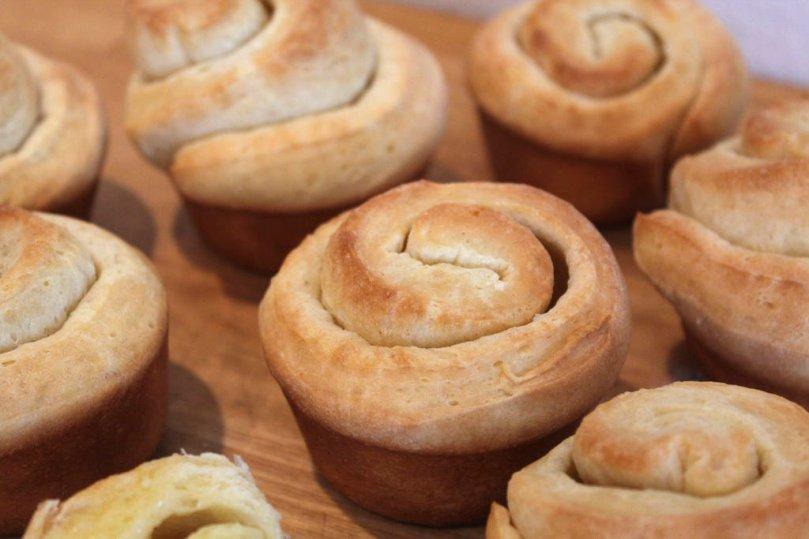 buttery-dinner-rolls