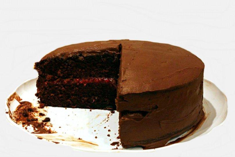 chocolate-raspberry-cake-main